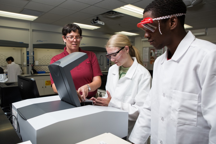 industry partnership helps u of a chemistry department