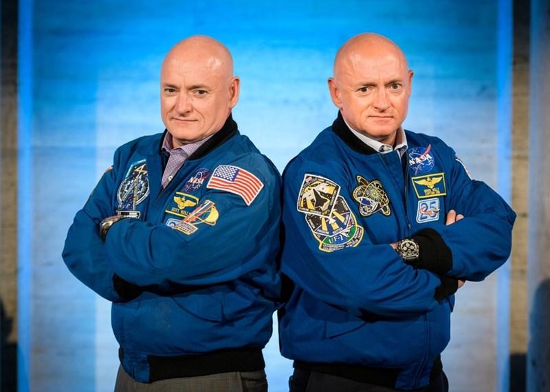 Astronauts Scott and Mark.Kelly