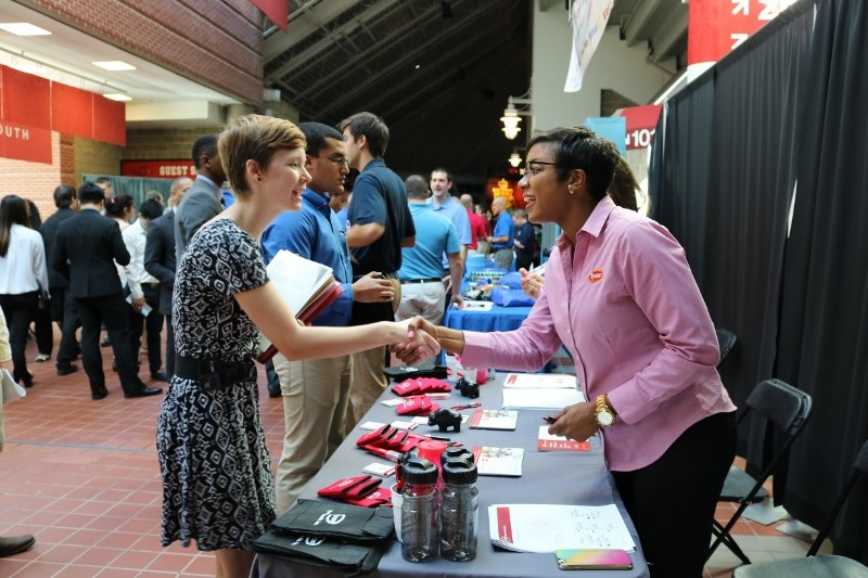 Students meet with prospective employers at the fall 2016 STEM Fair.