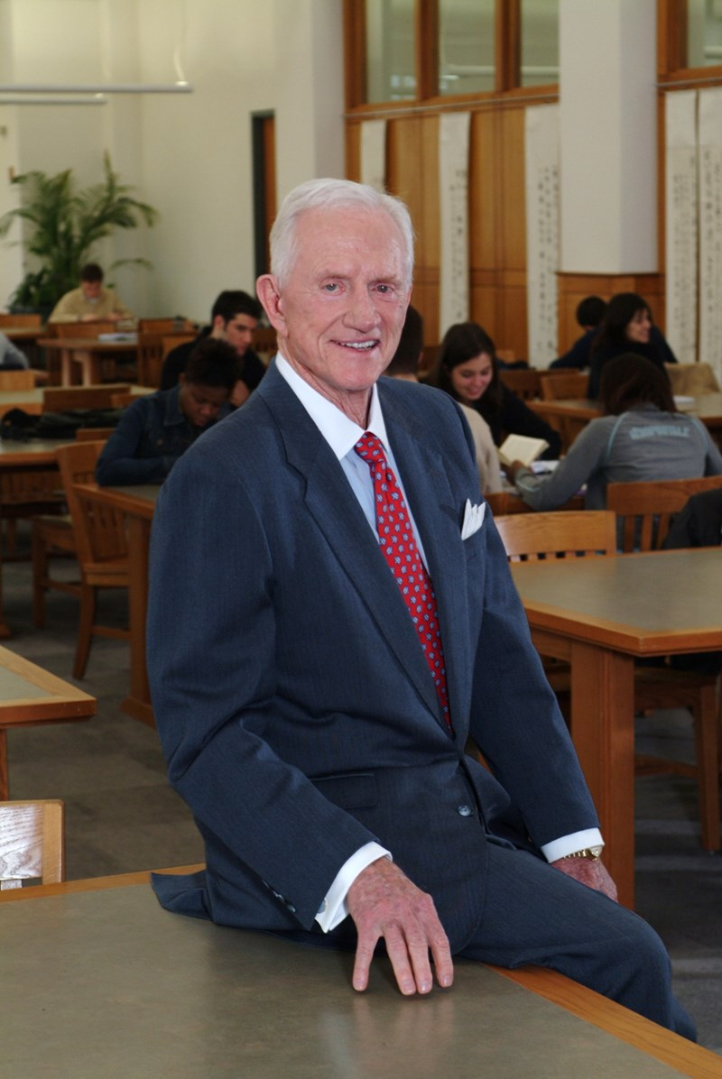 Coach Frank Broyles at Mullins Library.