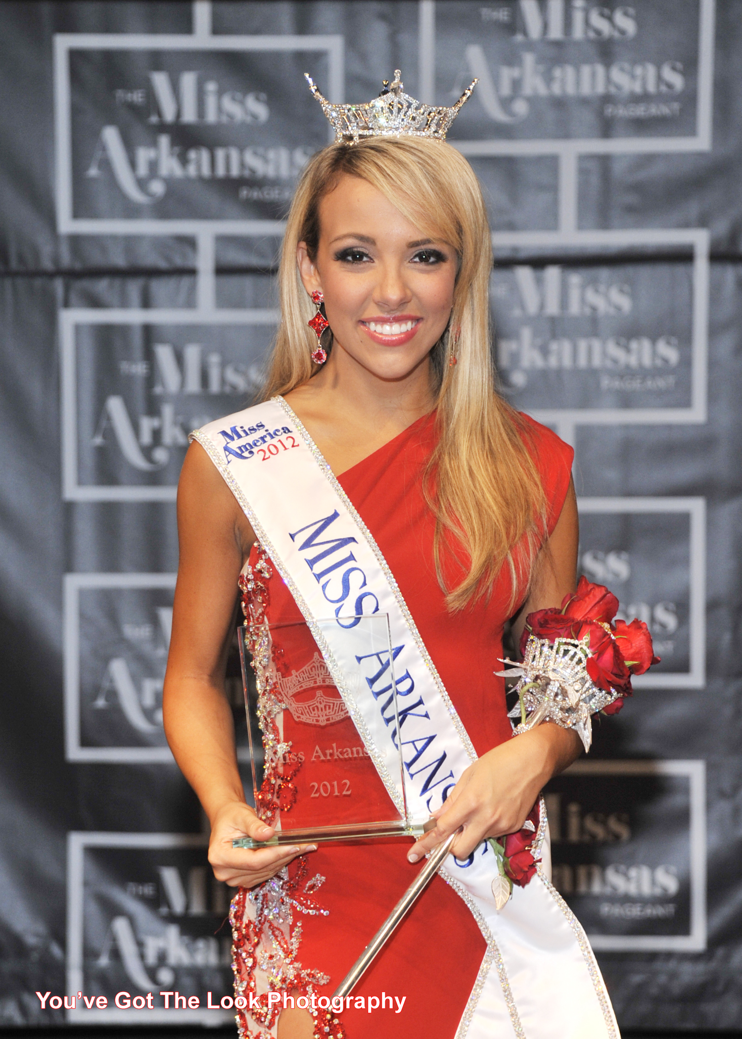 Sloane Roberts Crowned Miss Arkansas 2012