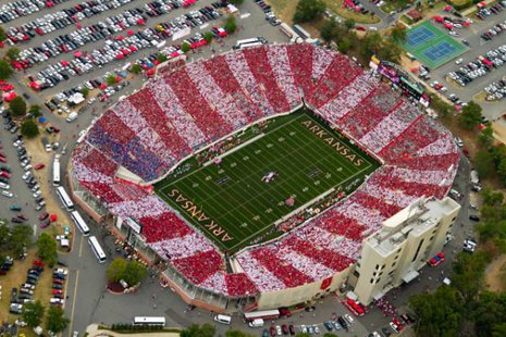 Razorbacks Remember Fans Turn War Memorial Stadium Red
