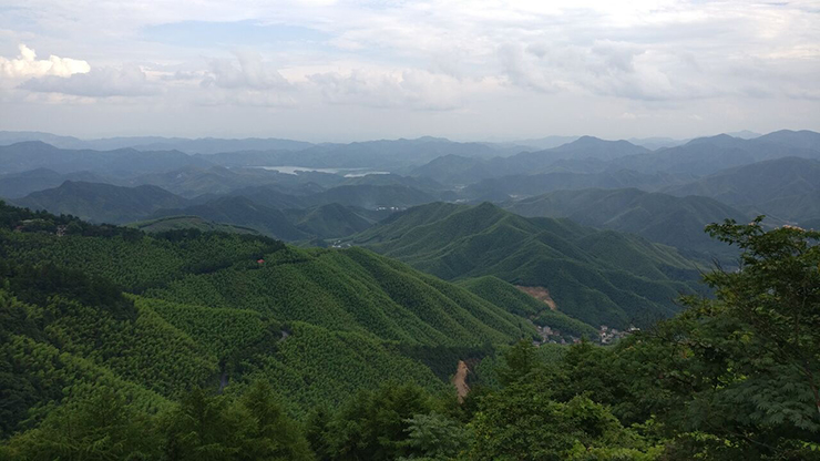 Mountains of the Himalyan range in southwestern China.