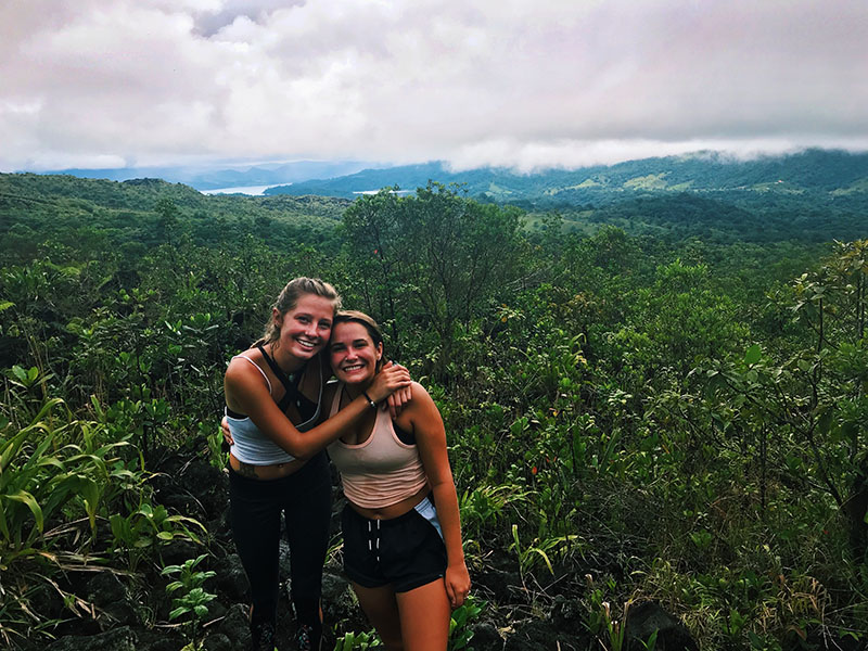 Photo of two students in the jungle of Costa Rica