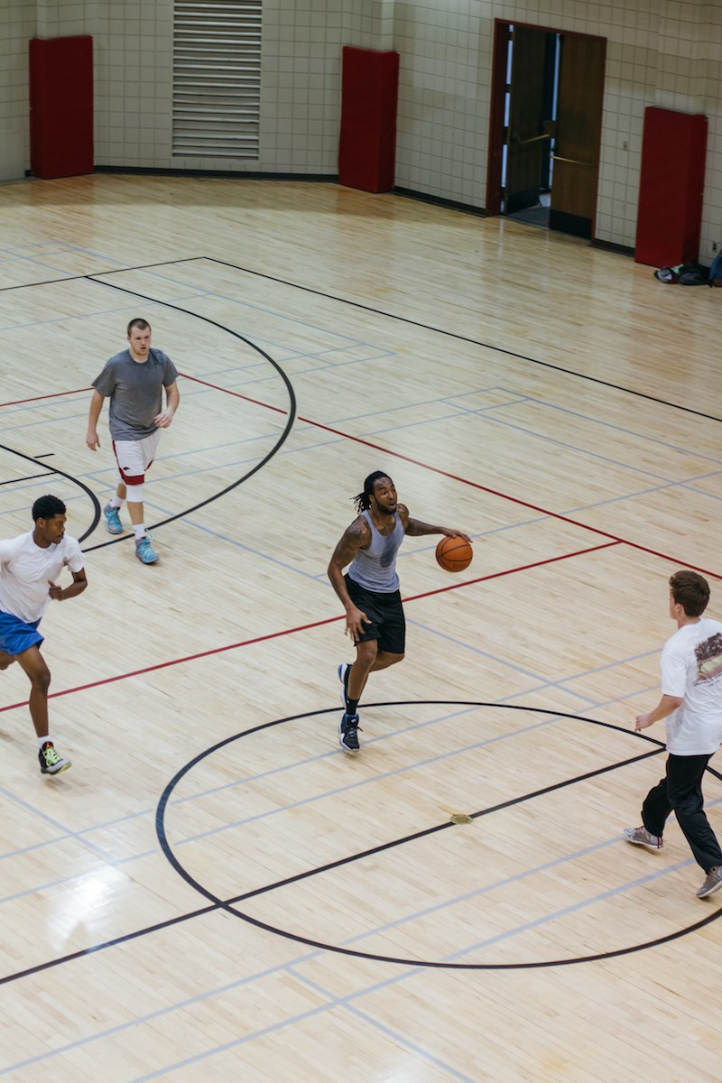 An informal recreation basketball game.