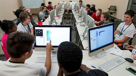 A nearly $1 million grant from the National Science Foundation will help computer science researchers at the University of Arkansas lead an interdisciplinary team of educators who will train and certify Arkansas school teachers in computer science education.