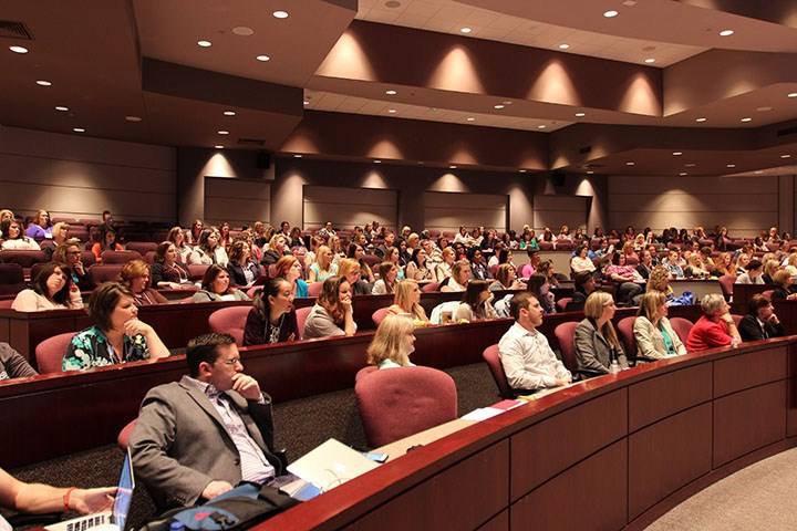 Early registration discounts are available through Feb. 29 for the 2016 Women in the Workforce Conference, an event hosted by the U of A Global Campus that attracted about 200 participants last year.