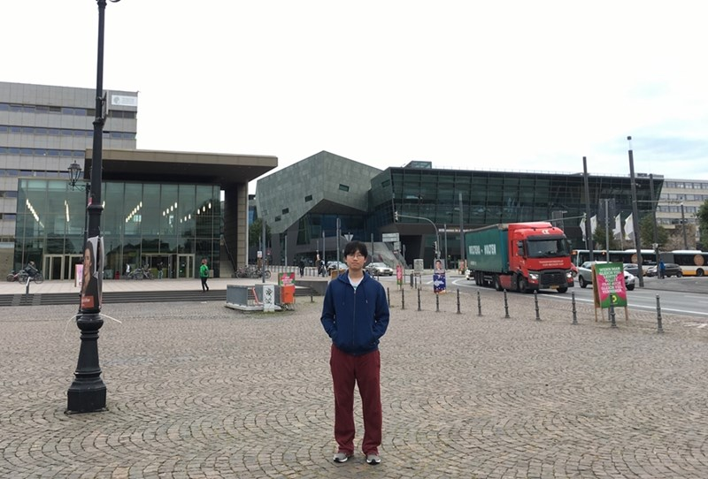 Connor Heo at the campus of the Technische Universität Darmstadt