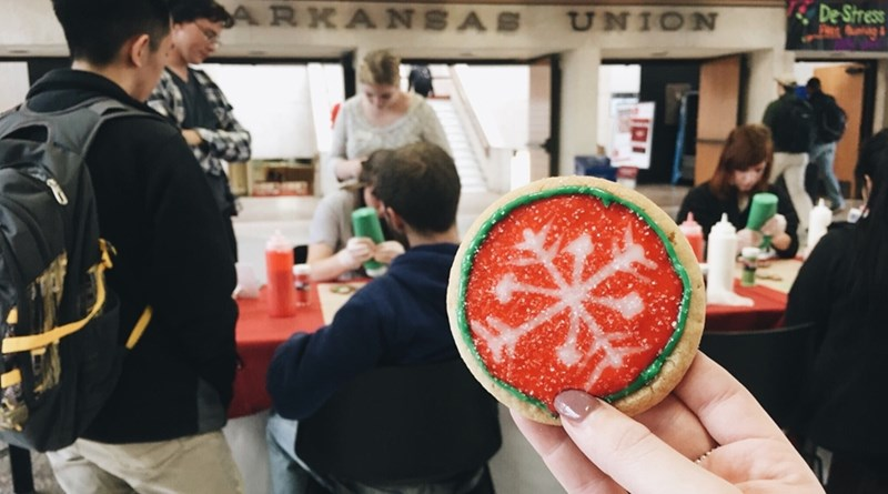 'Give a Cookie. Get a Cookie.' With Chartwells, Razorback ...
