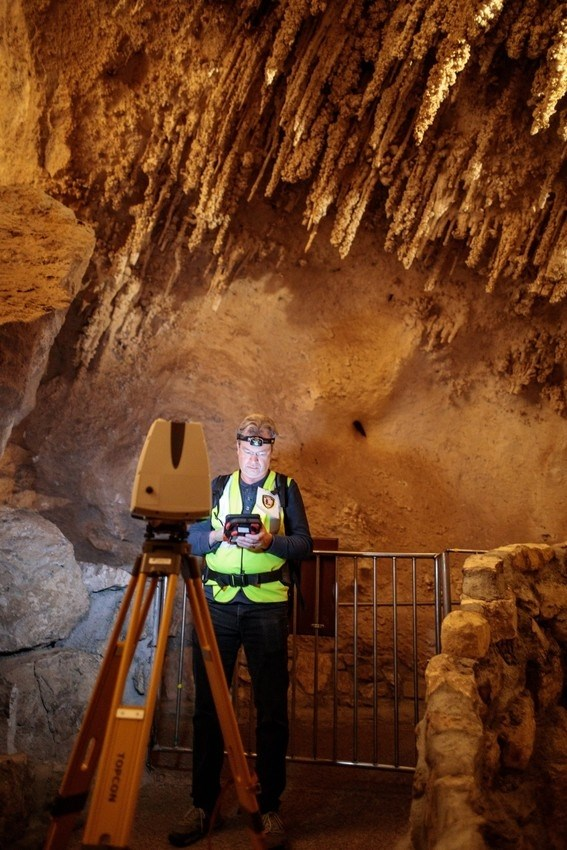 Malcolm Williamson scanning Carlsbad Cavern with LiDAR equipment.