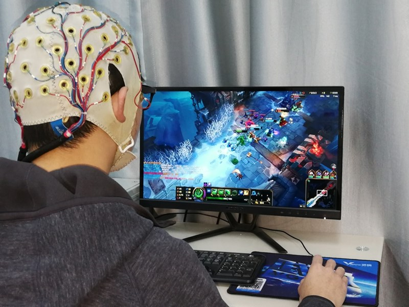 Students who spent one hour playing video games demonstrated improved visual selective attention and changes in brain activity.