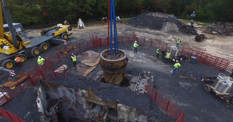 The SEFOR reactor being removed from its container in October, 2018.