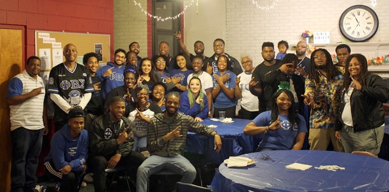 Phi Beta Sigma Fraternity and Zeta Phi Beta Sorority hosted their annual Thanksgiving Dinner at the Baptist Union.