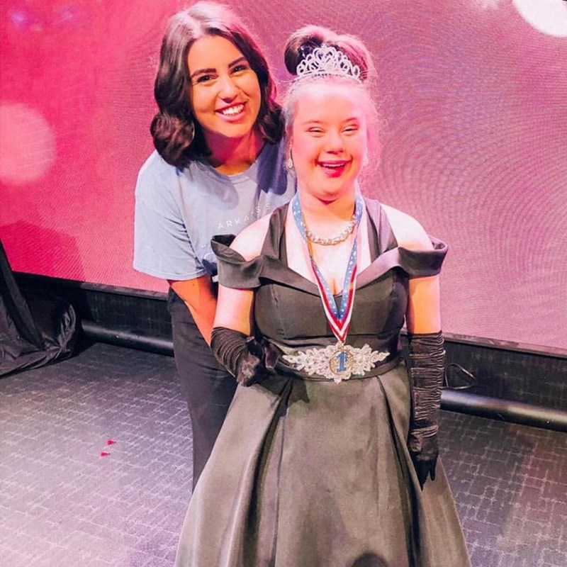 Maddie Stinson and an Arkansas Miss Amazing participant.