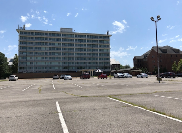 Red Resident Reserved Parking to Be Temporarily Open to Permit Holders - University of Arkansas Newswire