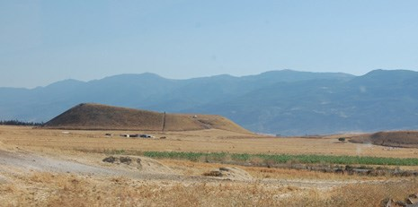 This image captures Tell Qarqur from the east. The mound is located in the Orontes River Valley in northwestern Syria.